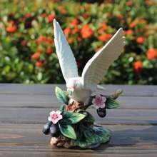 цена на ceramic Peace dove bird figurines home decor ceramic Pigeons ornement crafts room decoration porcelain animal figurine
