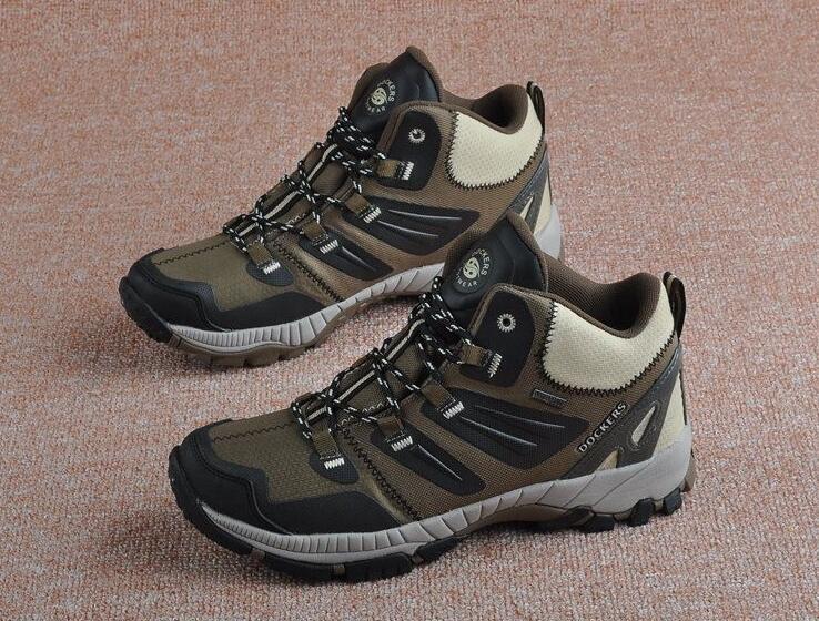 Men professional outdoor walking shoes male waterproof breathable walking boots DOCKERS trekking traveling shoes MENS sneakers