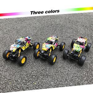 Image 4 - รีโมทคอนโทรล 2.4 GHz 4WD Off Road รถ RC ความเร็วสูง 1/18 Dual มอเตอร์ Rock Crawler Graffiti แข่งรถมอนสเตอร์รถบรรทุก