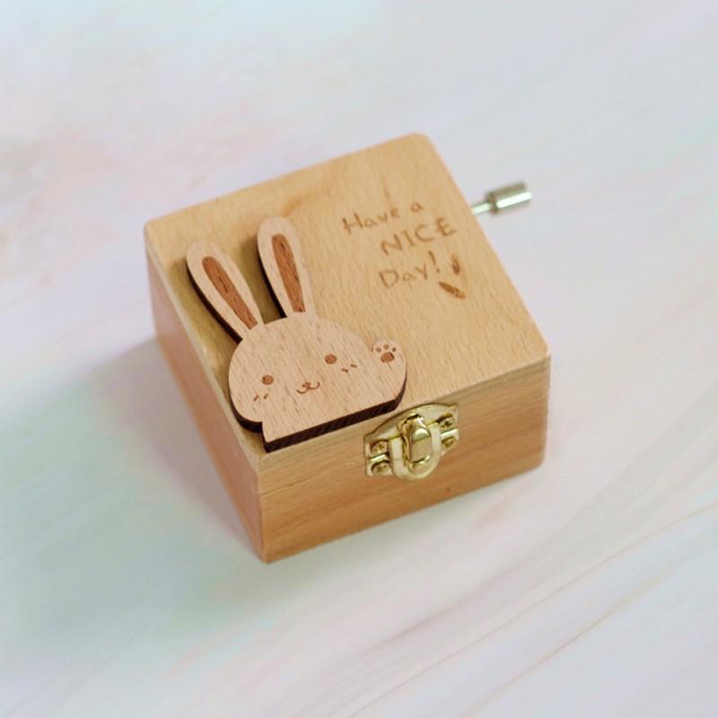 Music Box Wood Handcrank Musical Box Castle in the Sky Cute Cartoon Animal Shape Music Box Girl Heart Valentine's Day Gift