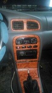 Image 1 - 2 piezas 100*30cm puerta segura de automóviles Panel de Control Central Etiqueta de grano de madera impermeable Cambiar Color estilismo DIY rollo de envoltura