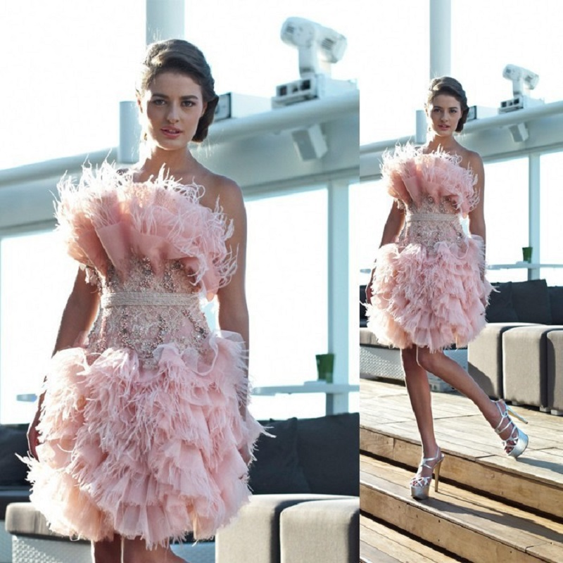 2016 New Arrival strapless Short prom dresses with feathers beaded crystal mini party dresses vestido de