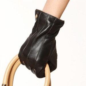 Image 2 - Mode Vrouwen Schapenvacht Handschoenen Hoge Kwaliteit Lederen Vijf Vinger Twee Tone Elegante Winter Dame Rijden Handschoen EL031NR