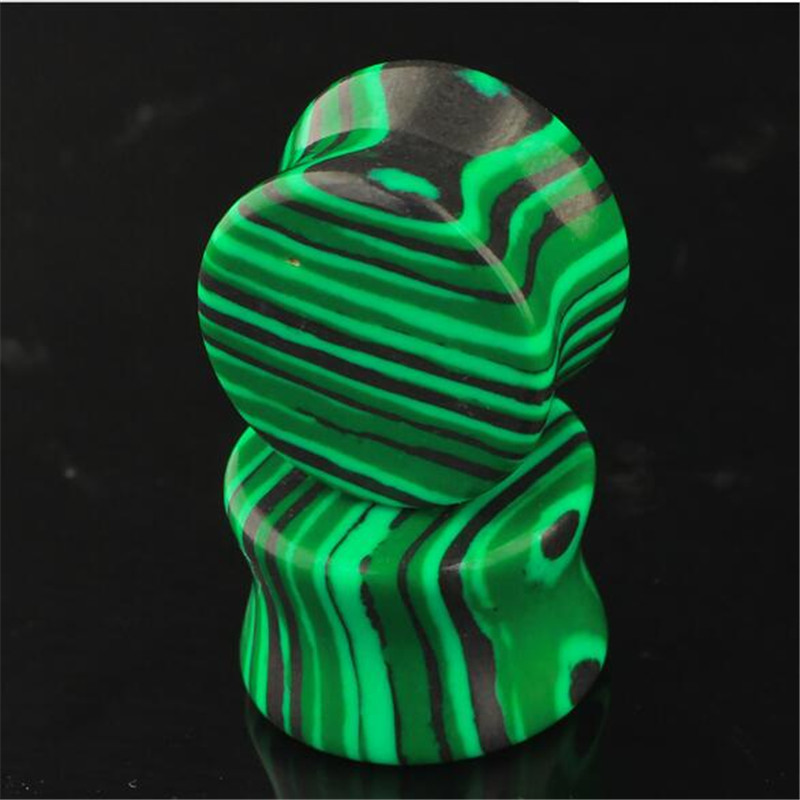 2pcs/lot Trendy Green Natural Stone Ear Plugs Tunnels Flesh Expansions Piercing Women Ear Plugs Gauges Expanders Body Jewelry