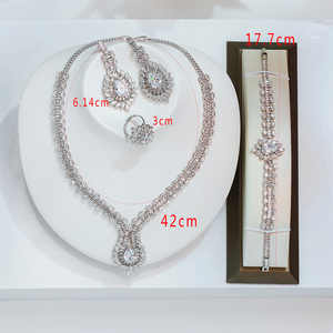Image 2 - Hadiyana جديد الأميرة مجوهرات الزفاف مجموعة مع مخلب ترصيع مكعب الزركون عالية الجودة الزفاف قلادة مجوهرات 4 قطعة مجموعة BN7659