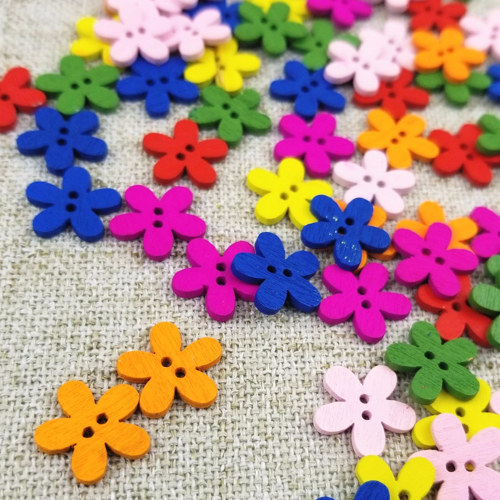 100pcs Mixed Size Wooden Flower Buttons Sewing Scrapbooking Decoration