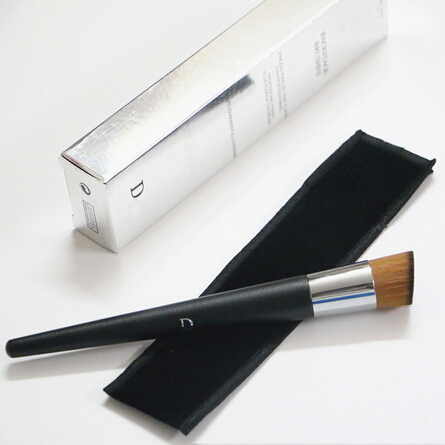 Foundation and Concealer Angled Brush