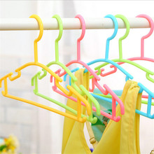 6pcs/set Hight Quality Candy Color clothes hanger Plastic Small Size Children Clothes Rack Random Color