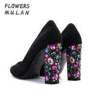 Лидер продаж черная замша верхний Bling Красочные высокое Туфли на квадратном каблуке Для женщин Элегантный острый носок слипоны вечерние со