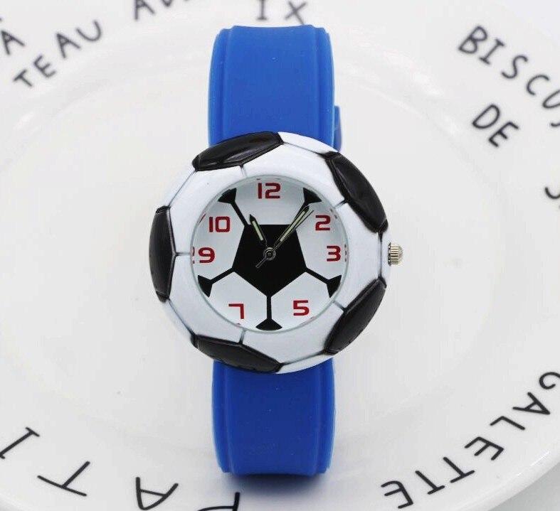 f0fc78ca6 Bonito do Futebol Relógio para Meninas de Borracha 3d dos Desenhos 2017  Dropshipping Animados Crianças Relógios Meninos Barato Azul Silicone Quartz  Wristwat