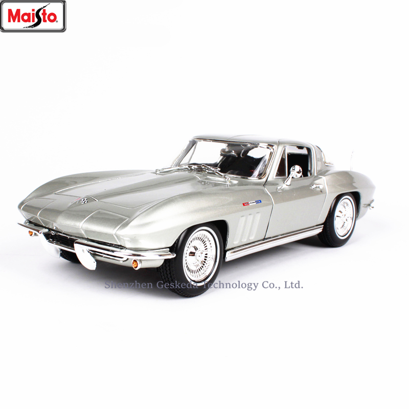 Maisto 1:18 1965 Chevrolet Corvette Alloy Retro Car Model Classic Car Model Car Decoration Collection gift image