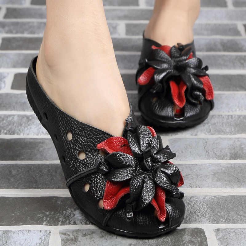 YAERNI 2018 Yaz Kadın Sandalet Moda Yumuşak Deri Hakiki Oymak anne düz ayakkabı Kadın El Yapımı Rahat Sandalet