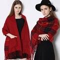 2016 otoño y el invierno de la cachemira de la tela escocesa mujeres bufanda bufandas de doble cara gruesa bolsillos estilo Europeo flecos chal y bufandas
