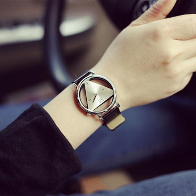 Woman Mens Retro Design Leather Band Analog Alloy Quartz Wrist Watch 2018 New Ar