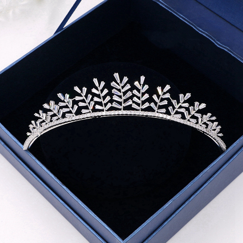 Gorgeous Wedding Zircon Tiaras and Crown Pageant Crystal Crown Hairband Bridesmaid Head Ornament Headband For Prom crown decorated headband