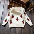 2016 nuevas Muchachas del invierno de Los Niños Jersey de lana mezcla de uvas Sweaters cómodo lindo bebé Ropa de Niños Ropa
