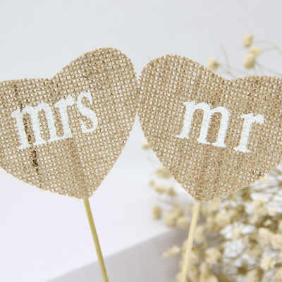 2pcs/set Mr & Mrs Heart Shape Flag Natural Jute Burlap Hessian Flags for Vintage Rustic Wedding Decorations christmas Supply