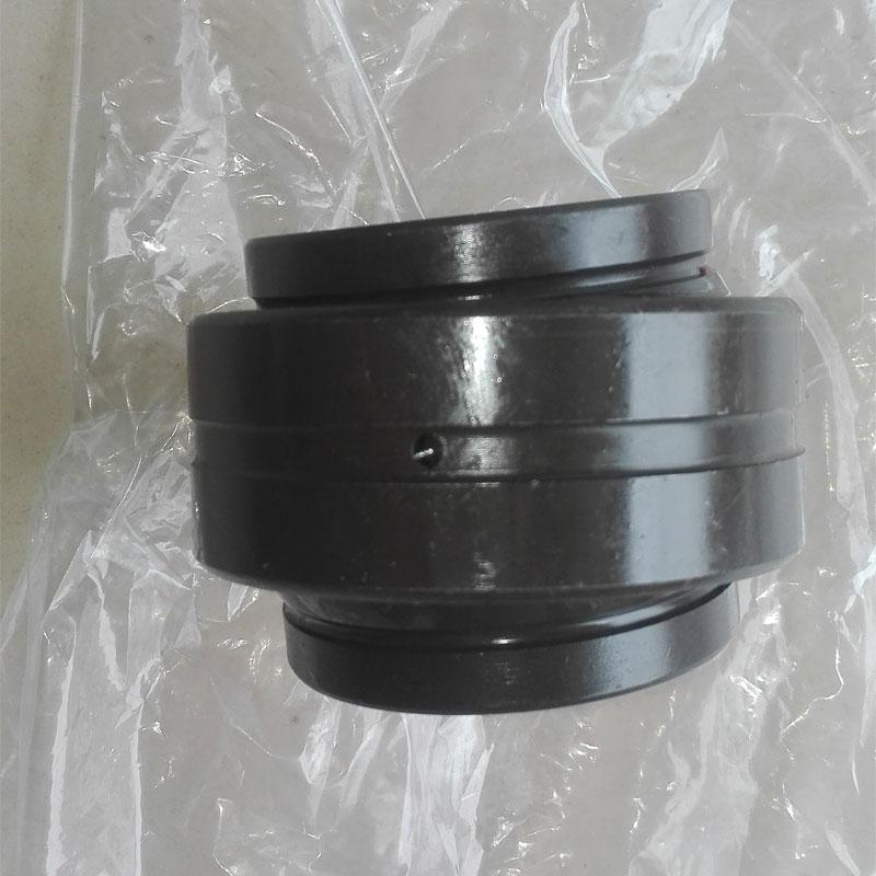 1 pieces Radial spherical plain bearing GEEW70ES GE70LO size: 70X105X70MM 1 pieces radial spherical plain bearing gef50es sb50a ge50xs k size 50x80x42x36mm