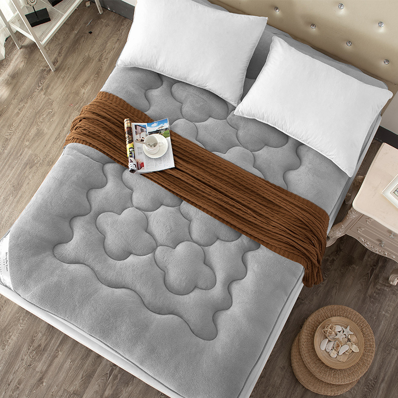 1.8M Foldable plush mattress Thick coral velvet tatami mattress single mattress student children slip double soft Free shipping