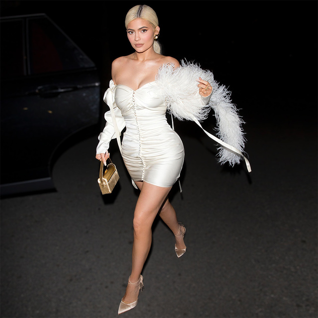 Chic Silk Feather Dress KylieJenner Night Out Off-the-shoulder Button Embellished Skintight White Mini Party Clubwear Sexy Frock