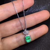 Fine Jewelry AGL Real 18K Gold AU750 Natural Green 1.16ct Emerald Gemstone Female Pendants for Women Fine Necklace