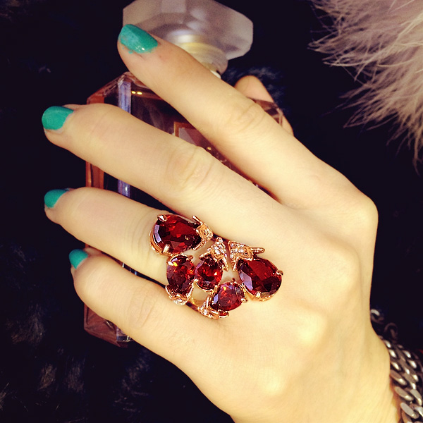 Brilliant Amazing Big Red Stone Ring Ruby Cubic Zirconia Ring 18K Gold Plated Cocktail Ring Women