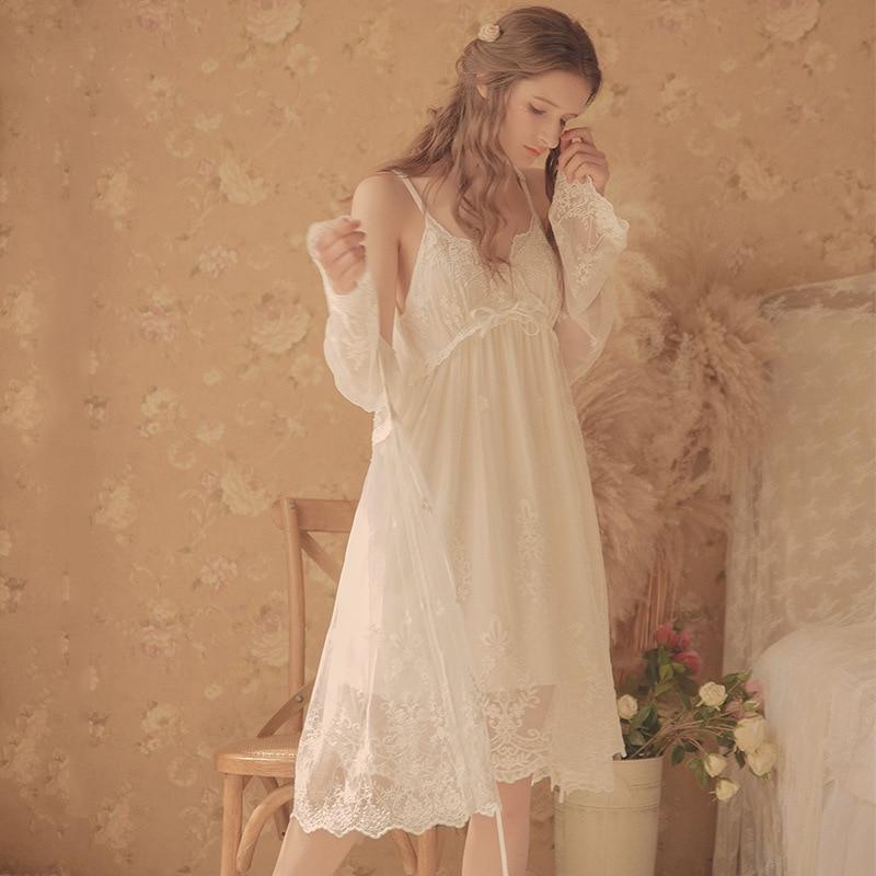 Vintage Women's Nightgowns  White Lace 2-Pics Robes Royal Roupas De Dormir Femininas Lace Sleepwear
