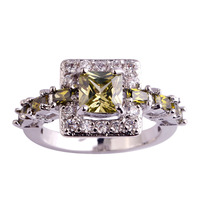 Wholesale Fashion New Jewelry Peridot & White Sapphire 925 Silver Ring Size 6 7 8 9 10 Pretty Women Party Rings Free Shipping