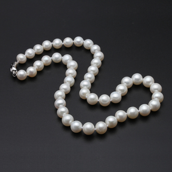 Big-Round-Freshwater-Pearl-Necklace