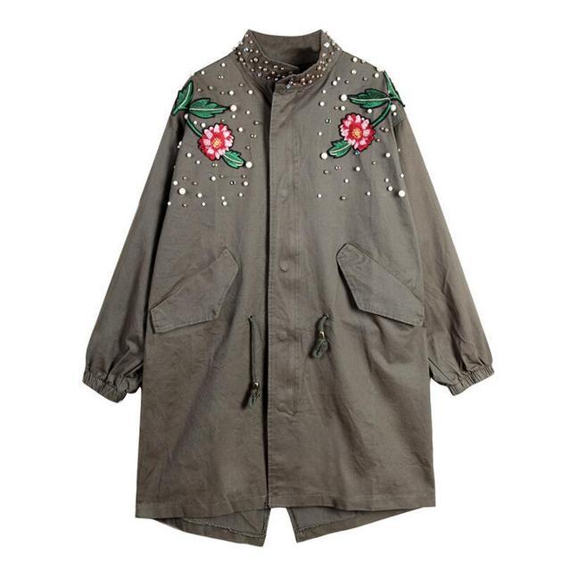 2017 Новая Мода вышивка цветы заклепки патч дизайн женщин плащ пальто с длинным негабаритных бальк army green плащ S337
