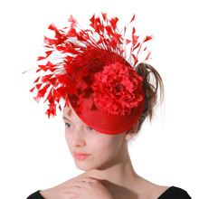 赤模造sinamay魅惑的な帽子女性ブライダル模造イベント日のケンタッキーダービーのための教会のウェディングパーティーレース