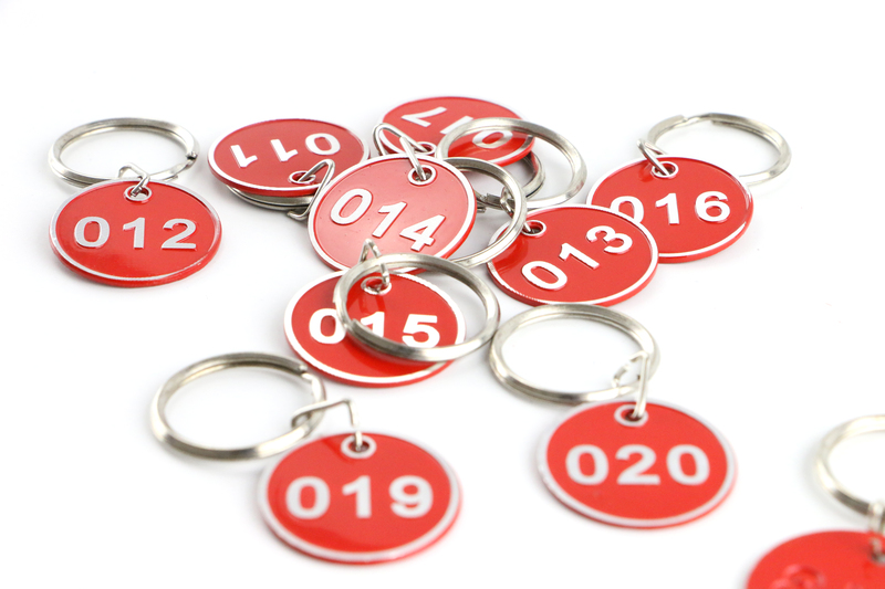 Metal Sign Keychain Signage With Ring Digital Label Tag Number Card Plate With Key Chain Customization Color And Number Tag
