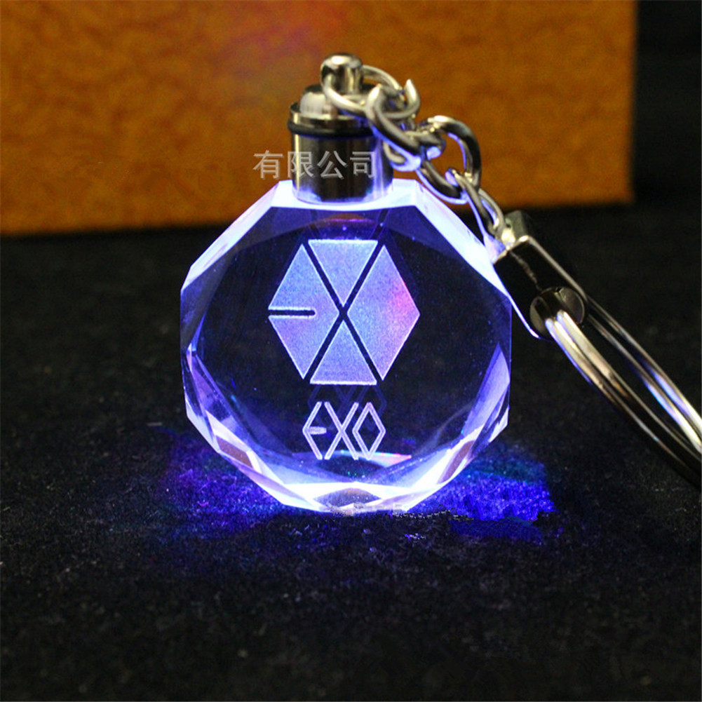 ФОТО [sgdoll] korea kpop exo baekhyun sehun kai do crystal glass led light flashing key chain ring pendant toys collection 16101311