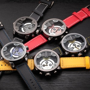Image 2 - Oulm Watches Top Brand Luxury Fashion Quartz Sport Watch 3 Small Dials Decoration Leather Strap Men Watch Relogio Masculino