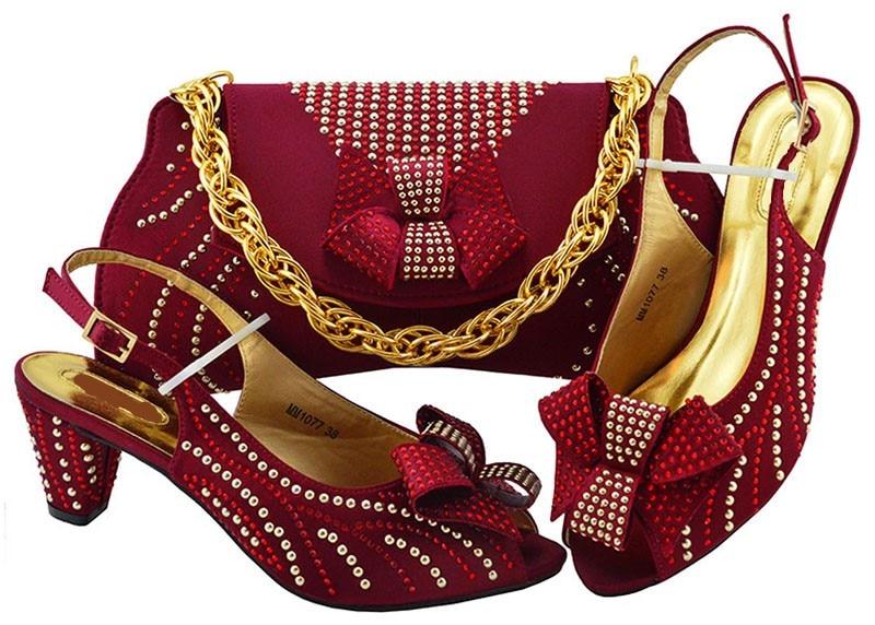 Les plus populaires femmes de vin chaton talon chaussures avec strass style noeud papillon chaussures africaines match sac à main ensemble pour robe MM1077