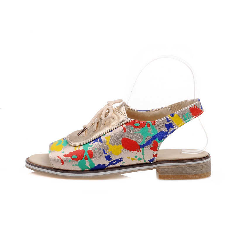 Sandalias de verano de las mujeres planos de las mujeres Plus tamaño 34-43 casuales de mujer Peep Toe Lace up zapatos en la banda de ocio camuflaje sandalias calzado