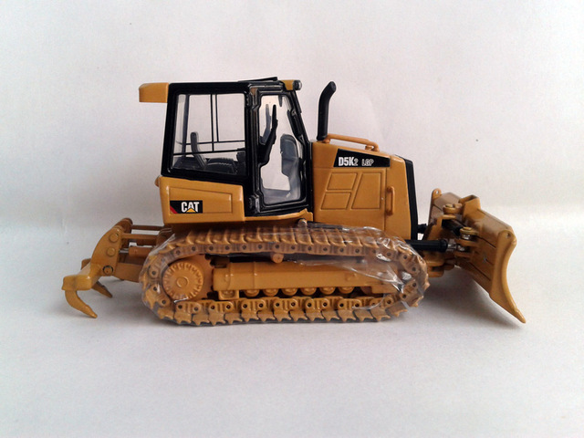 N-55281 1:50 CAT  D5K2  LGP Track-Type Tractor toy