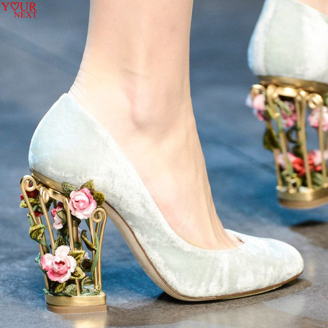7331a837724 Fashion Week Designer Pumps Luxury Flowers Caged Heel Beautiful Wedding  Shoes Heels Women Bridal Italian Shoes With Matching Bag