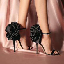 2019 Spring And Summer Woman Flower Shoes Black Nude Party Pumps Sexy Ladies Satin High-heeled Word Buckle Sandalia Feminina