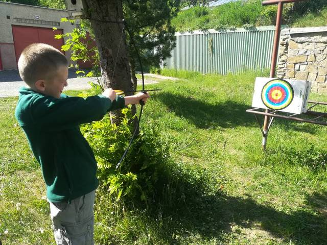 Target Archery Bow Set for Kids with free Chuck Arrows Finger Arm Guard