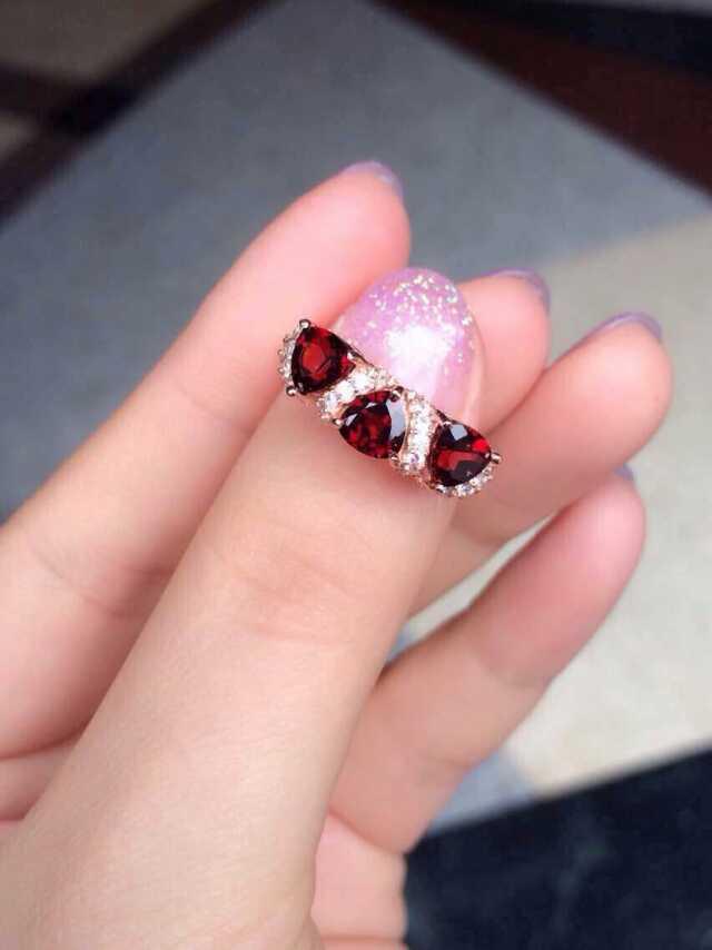 15754f10dc79 Natural rojo granate joya anillo de piedras preciosas naturales S925 plata  esterlina de moda elegante matriz para el regalo de la muchacha de las  mujeres