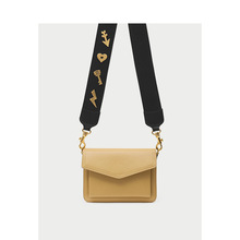 цены Genuine Leather Handbags Women Bag Personality Wide Shoulder Strap Solid Color Envelope Bag 2019 New Shoulder Bag Messenger Bag