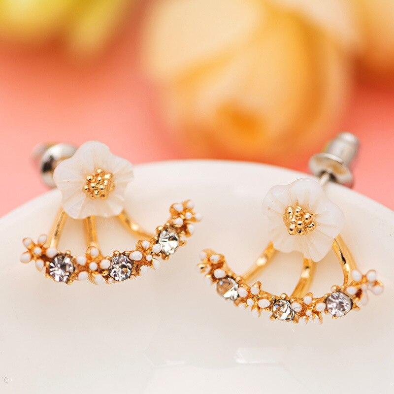 New Fashion Jewelry Beautiful Cherry Blossoms Flower Stud Earrings for Women Crystal Small Daisy Flower Earrings Female