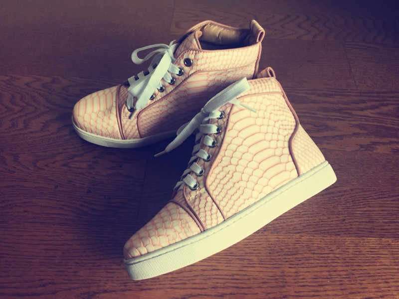 New Fashion Pink Python Leather Women Lace Up Casual Shoes Round Toe Ladies Flat  Vulcanize Shoes 99d598025f7e