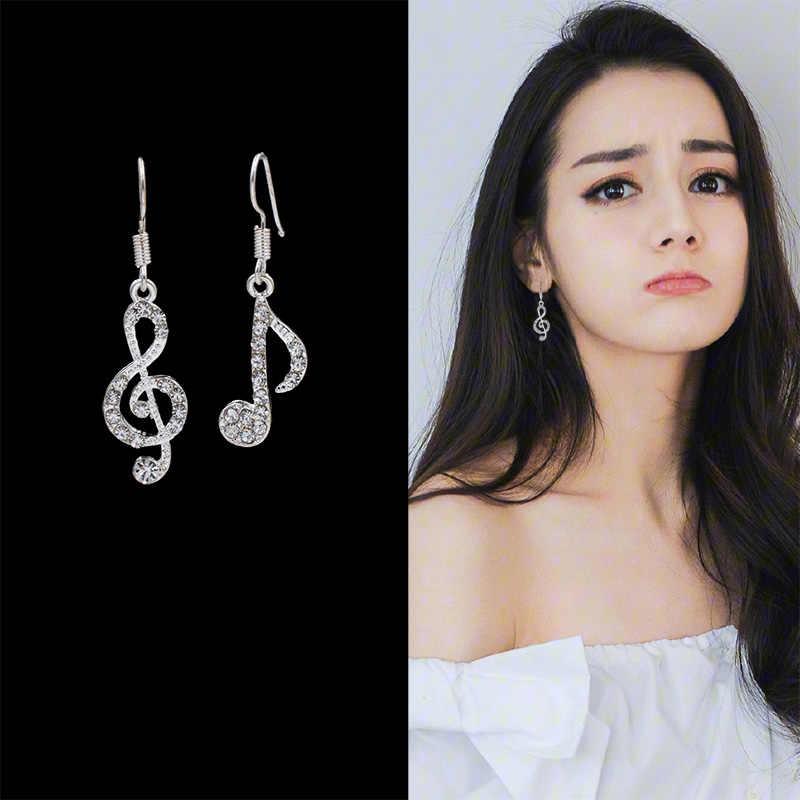 Assimétrico personalidade na moda notas de música gancho de orelha cristal prata cor strass brinco feminino acessório lady balançar brincos