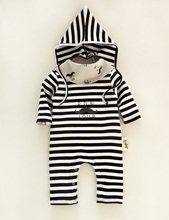 2016 Bebes Striped Rompers Baby Costumeds For Toddler Girls Boys Infant  Costumes baby boy stripe Romper+Bib +Hat 3pcs sets suit