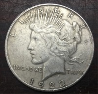 1923 D United States Peace One Dollar made in pure silver (.900) 38.1mm