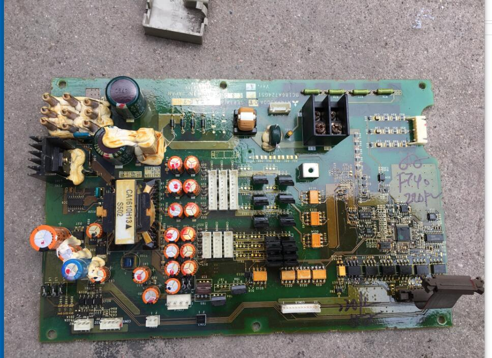 цена на The frequency converter F740 or F700 series 220kw power board drives the main plate BC186A724G5