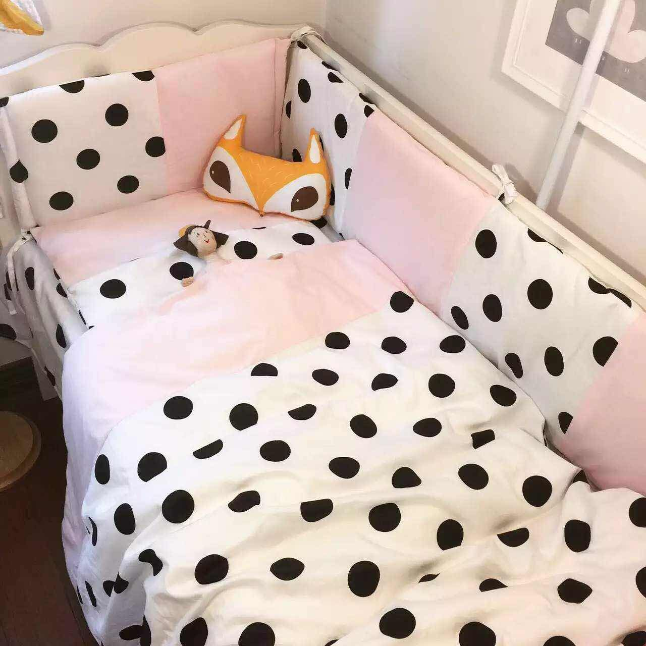 Polka dot bed spreads - 3cps Set 100 Cotton Hot Baby Bedding Set Include Pillowcase Flat Sheet Quilt Cover Pink Blue And Polka Dot
