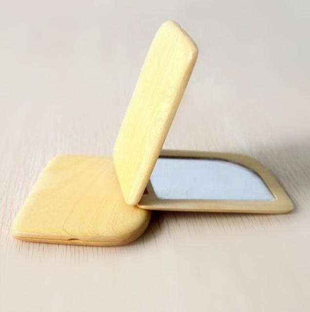 Sándalo Natural de Oro Luz Espejo de aumento de Doble Cara Espejo Plegable Espejo de Bolsillo. 9.8*7.4 cm FH-10350